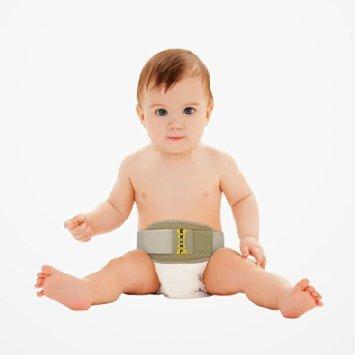 ребенок в бандаже для пупочной грыжи