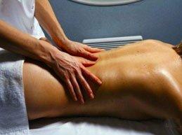 Можно ли делать массаж при грыжах позвоночника? Важные принципы процедуры