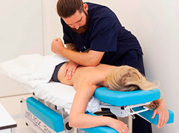 Болезни позвоночника и суставов: как обойтись без операции?